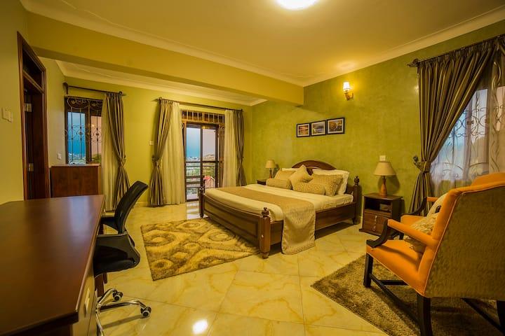 Greens Guest Homes, Mutungo-Kigo SUPERIOR ROOM