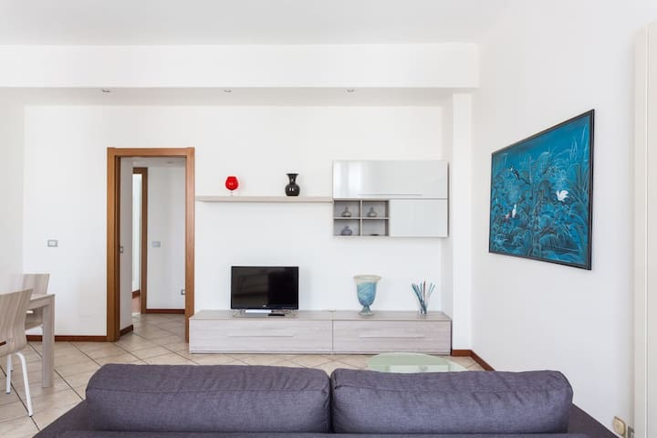 1002 Apartment -  FREE WI-FI, AIR-CONDITIONING