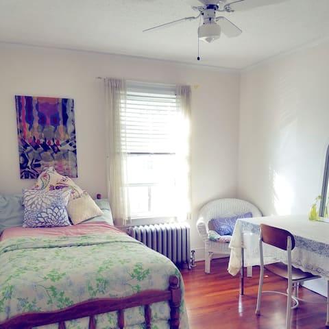 Room in cute, quiet house!