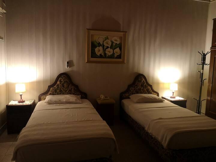 Habitacion Quintuple en Hassler Villamorra 3 y 6