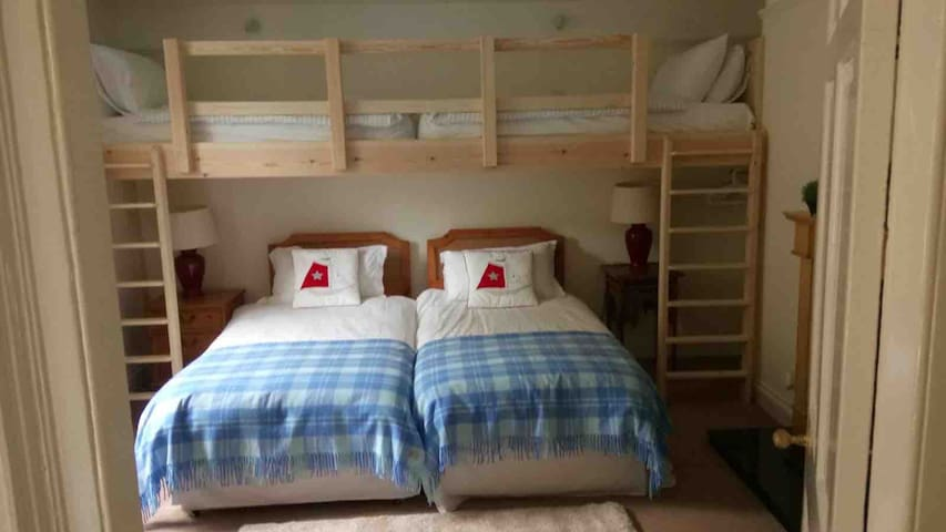 Ground floor twin room. Twin beds can be zip & linked together to make a double bed.