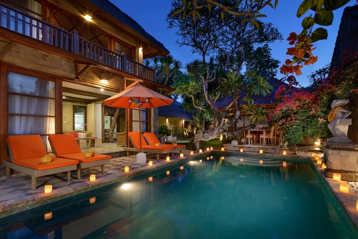 Villa by the Sea Sanur/ Laut Room