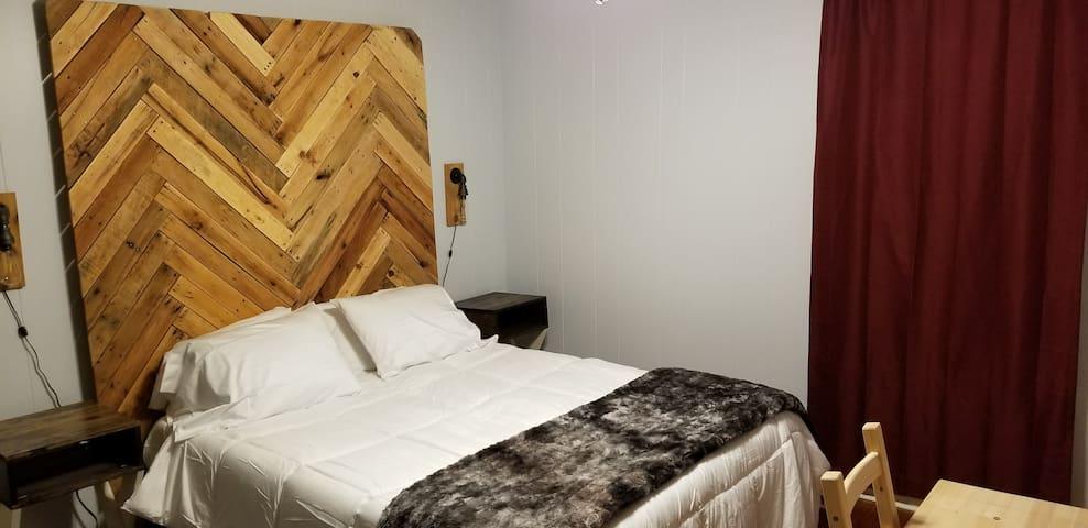 Convenient Bedroom near UAMS
