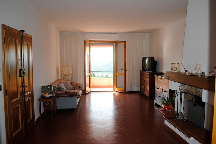 Light apartment in Chianti - Chiocchio - Appartement