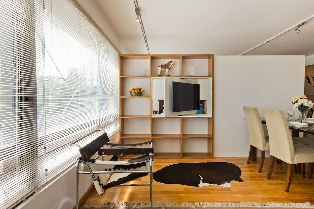 Smart TV en panel giratorio