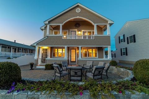 Gorgeous Vacation Rental Home, Steps from the Sand