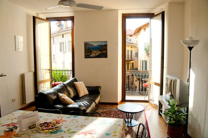 Sunny family terrace unit in the heart of Bellagio - Bellagio - Apartemen
