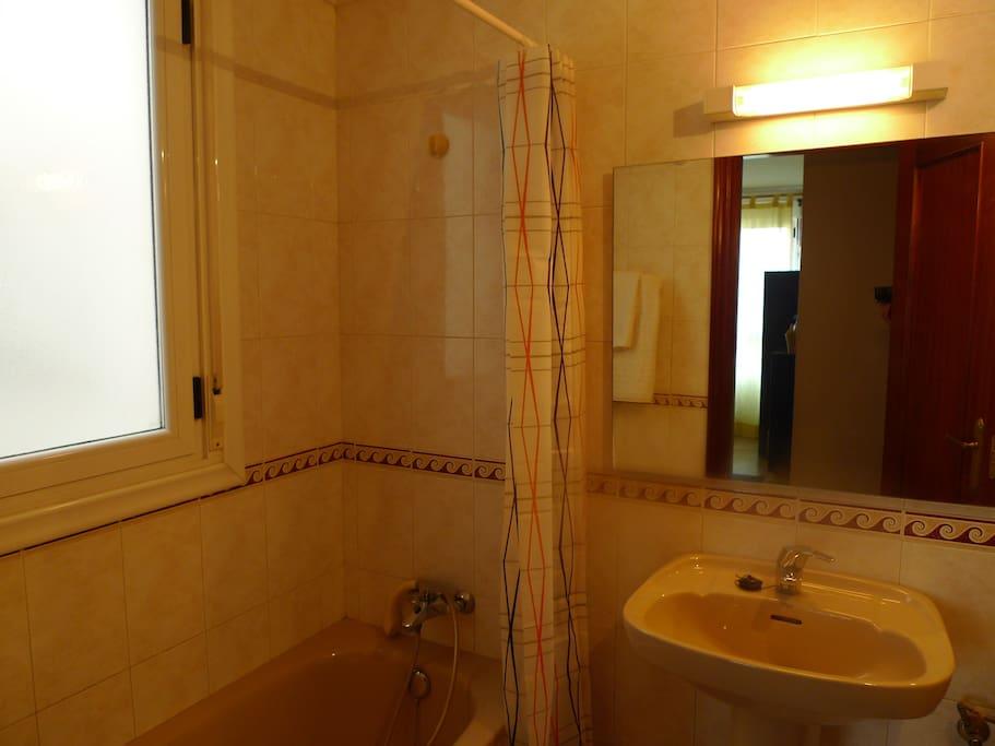 Baño individual en la propia habitación