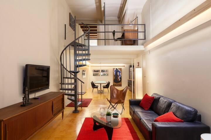 Loft apartment in Barcelona centre. Borne Area.