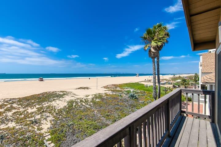 Ocean sand front
