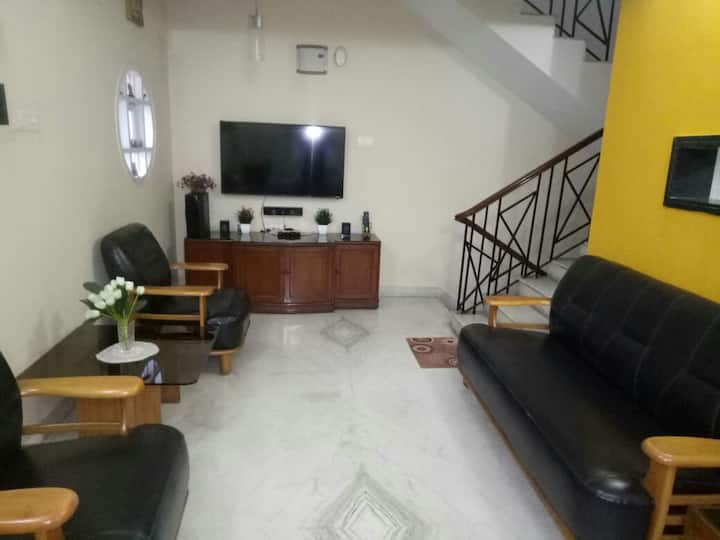 Spacious 2bhk house with amenities for a good stay