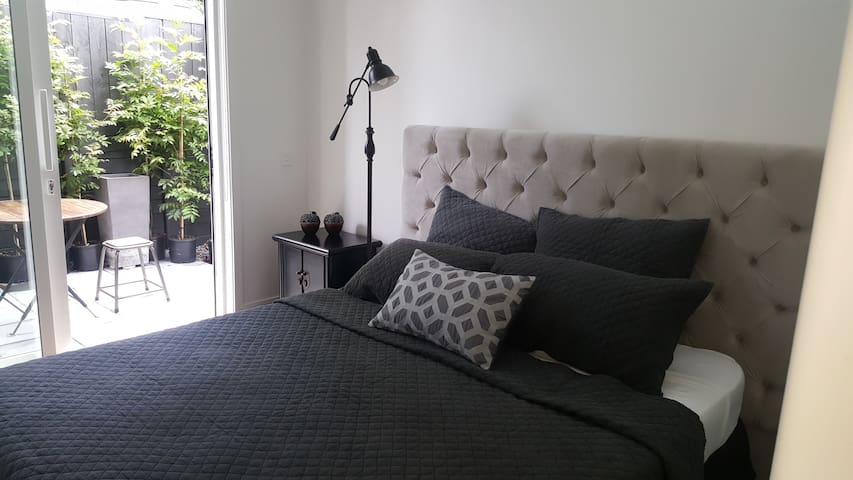 Private Double room with own bathroom - Auckland