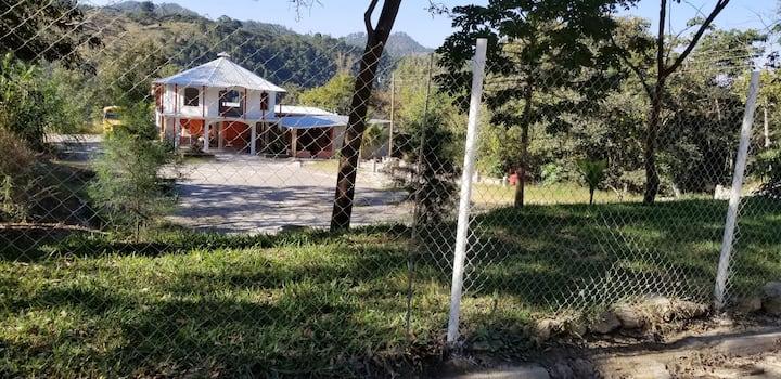 Casa a 45 minutos de ciudad de Guatemala.