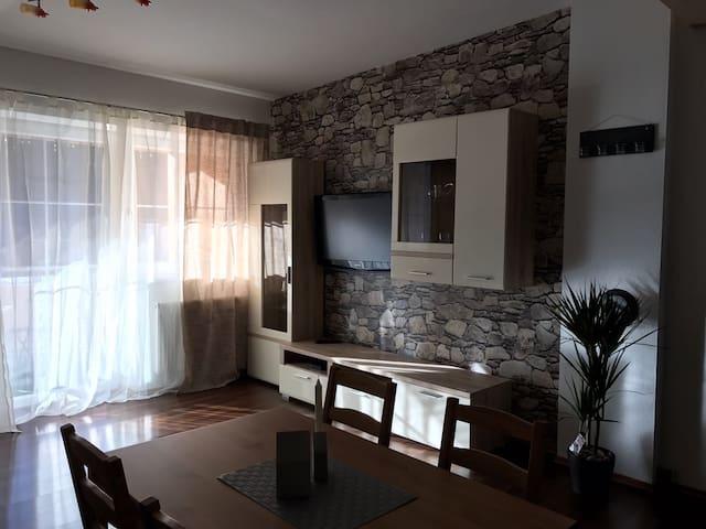 Zentrale Wohnung 80 qm - Fieberbrunn - Apartamento