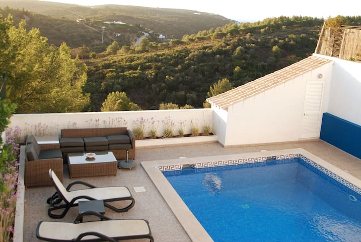 Villa with spectacular sea and nature views