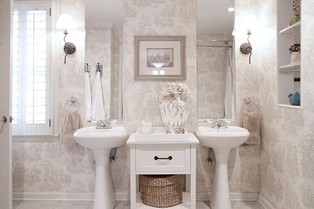 Large and stylish Private Bathroom