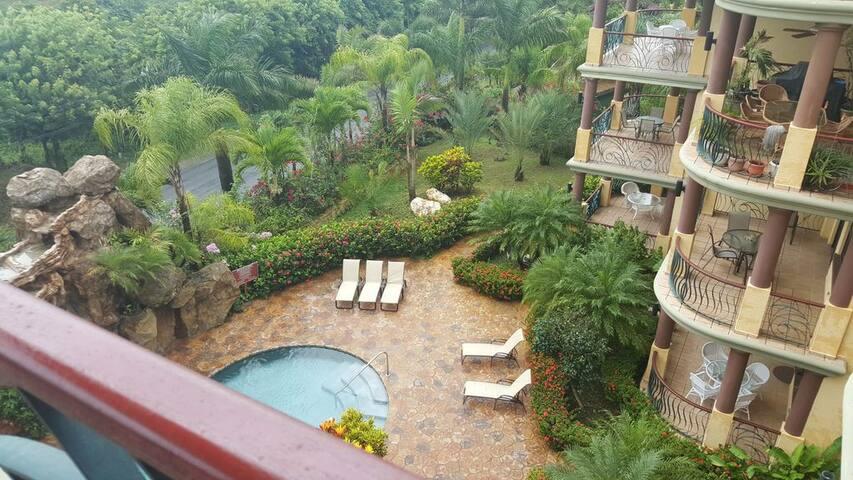 Pineapple Villas Ocean View Luxury Condo