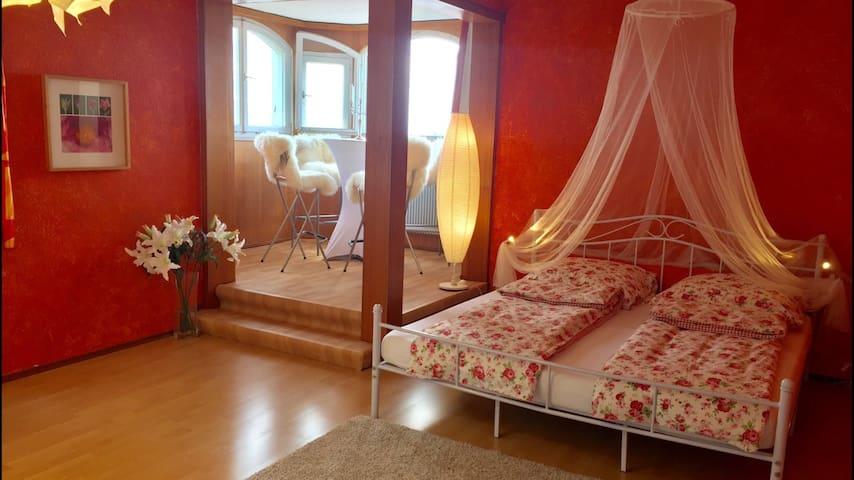 Jugendstil Villa, - romantisches Tower-Apartment