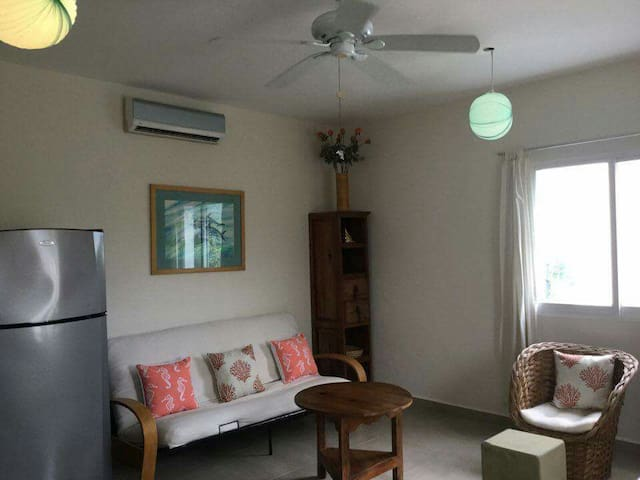 The Retreat. 1 bedroom,1 block from the Caribbean! - San Miguel de Cozumel - Wohnung