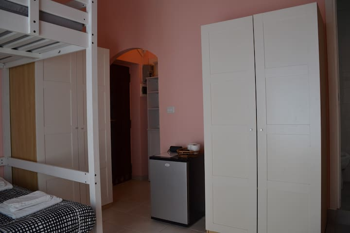 Private Room with private bathroom - Roma - House