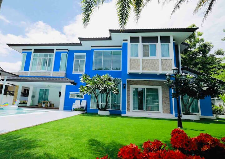 【清迈蓝房子】独享600㎡花园草坪庭院,超大私家泳池,五星级酒店的床品浴品体验,免费接送机