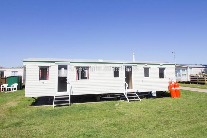 9 berth dog friendly caravan for hire at Broadland Sands site ref 20026BS