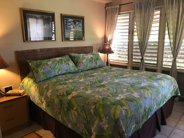 Super comfy King Bed