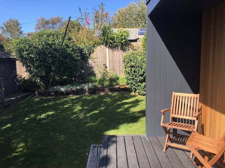 Cabin retreat in the heart of Rottingdean Village