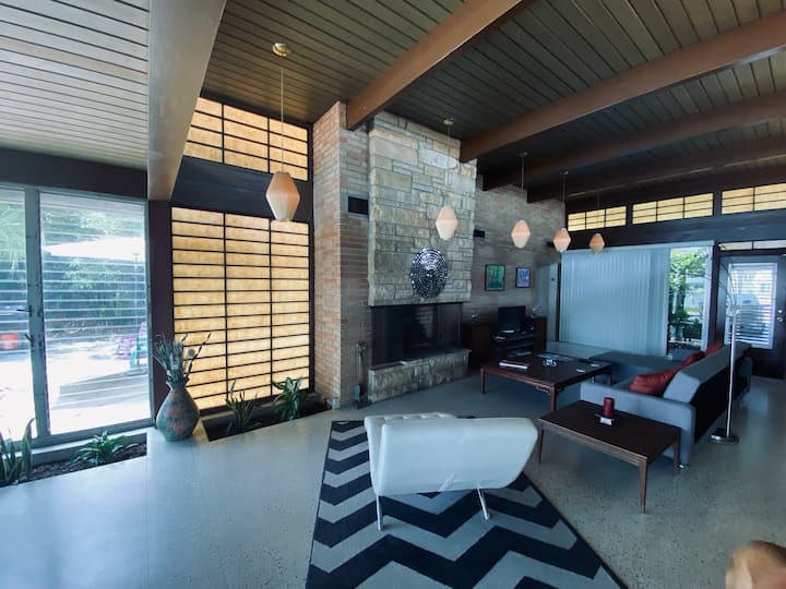 Mid Century Modern Executive Waterfront Home
