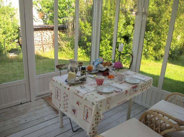 breakfast in the orangeri