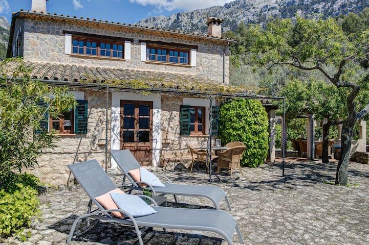 """S'Erisal"" Stunning villa in Fornalutx"