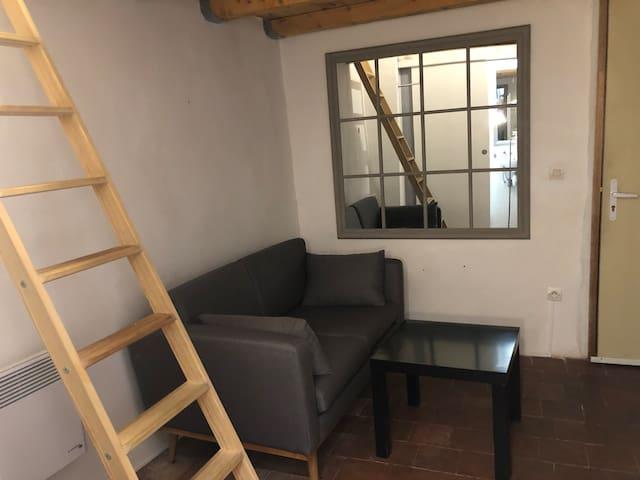 charmant studio au coeur historique d'Aix