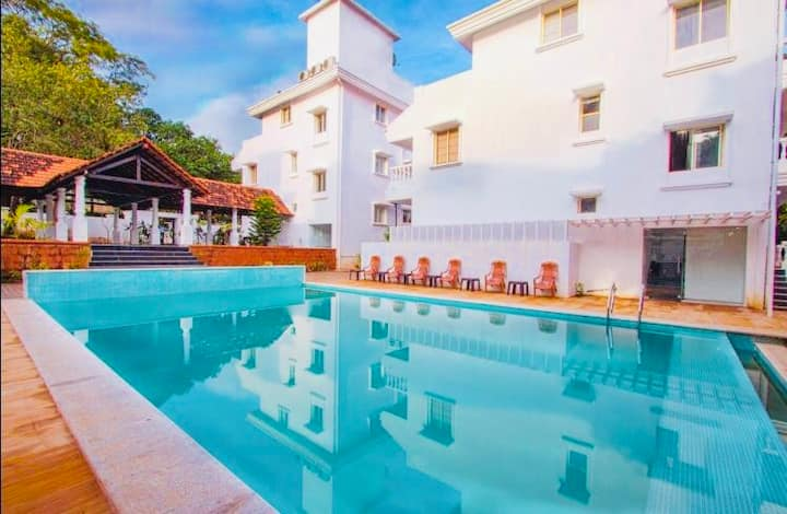 Luxury 2BH Aparthotel with Pool and Wifi in Anjuna