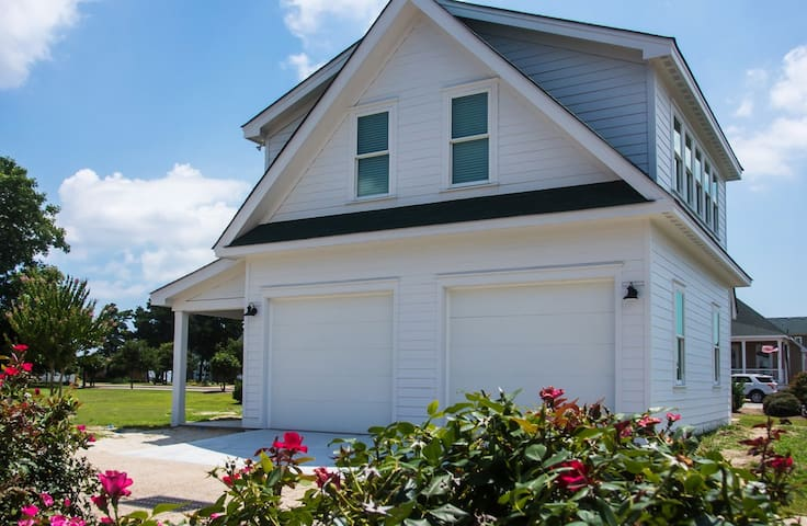 The Caroline Cottage - Manteo - Apartment