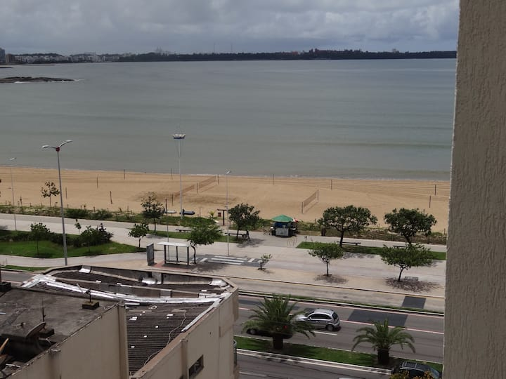 Lindo apartamento estúdio inteiro com vista do mar
