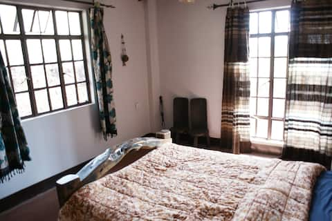 Rasta Hill Home - Guestroom #2