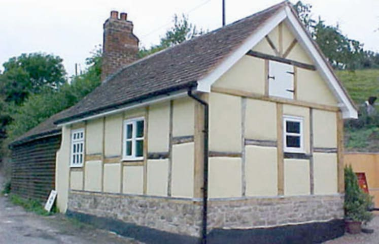 The Cottage (W8088)