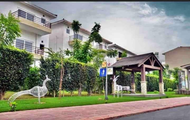 Serene Villa- Family Homestay  in Greater Noida