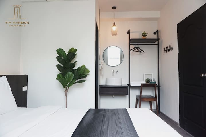 Private room in the heart of old town Bangkok