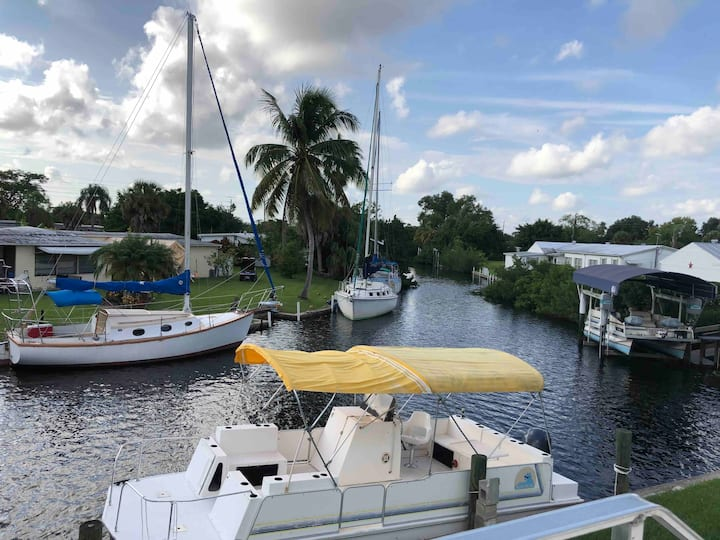 Boaters Delight Canal front w/optional Boat Rental