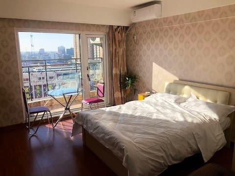 名仕公寓温馨大床房