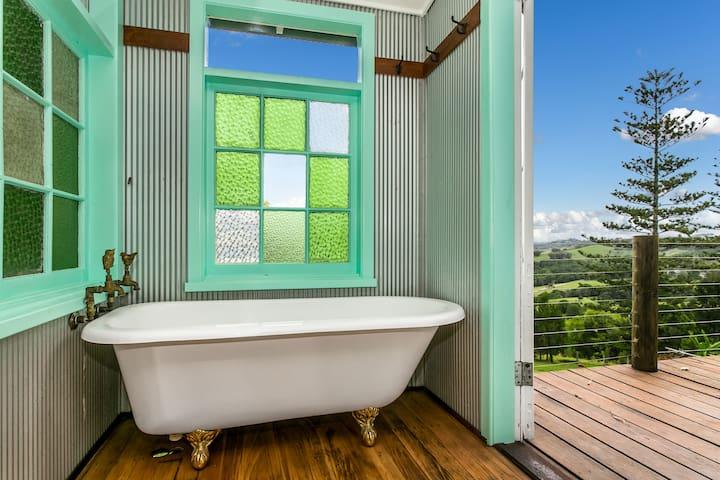 Ocean Views-Private Cabin-Peaceful-Stunning Vistas