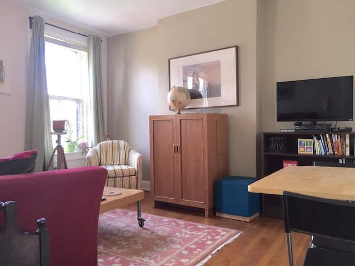 Convenient, Private & Quiet apartment downtown
