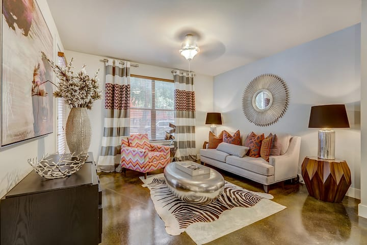 Clean, cozy place of your own   1BR in Addison