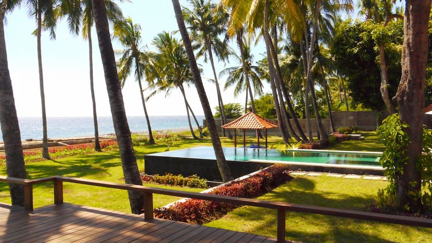 Salt Farm Resort standard room, north Bali coast - Tedjakula