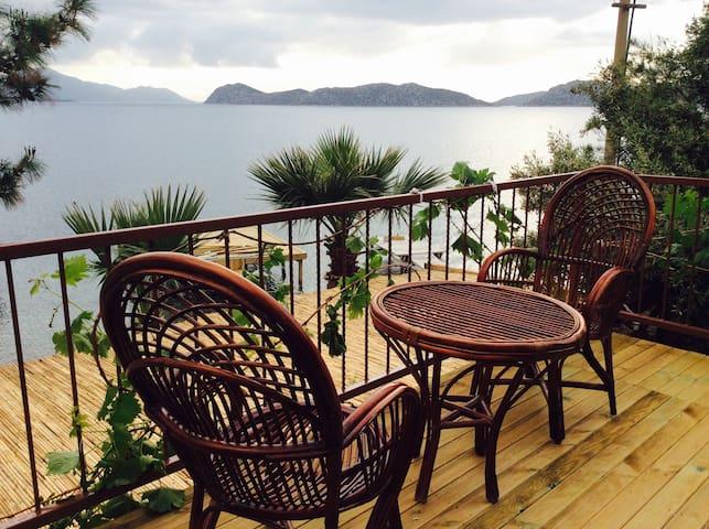 Denize Sıfır Müstakil Taş VİLLA - Marmaris - Villa