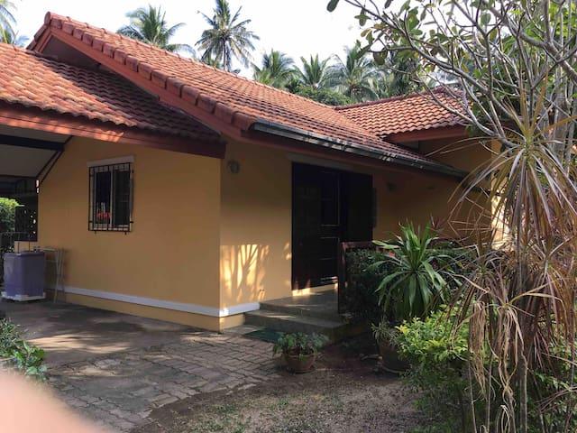 Samui House Private Bungalow(No.41)+66 818189838