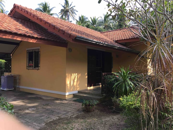 Samui House Private Bungalow(No.41)+66 818189838