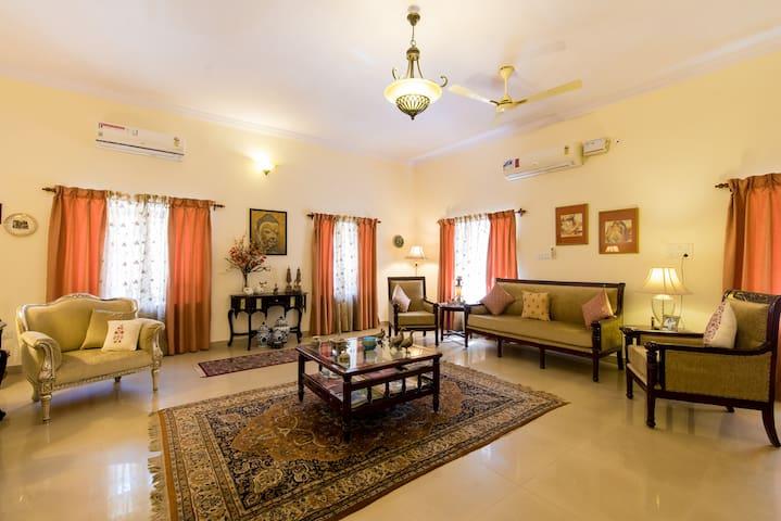 Set of 5 Beautiful Rooms in the heart of Jodhpur.
