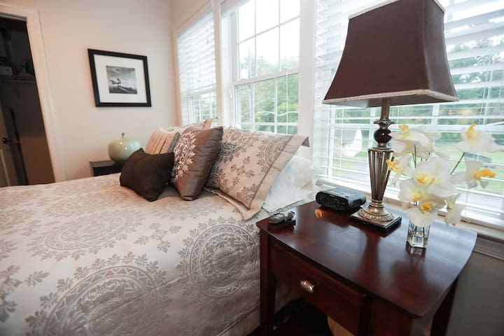 Exec Studio near McLean Metro +Tysons/Monthly Disc